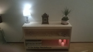 geschaafd-vurenhouten-side-table